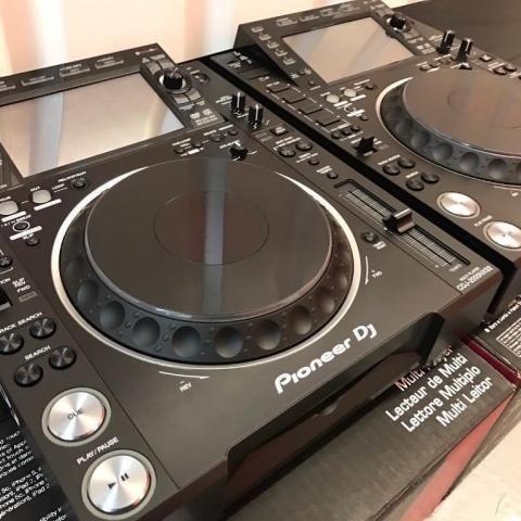 2x Pioneer CDJ-2000NXS2 + 1x DJM-900NXS2 mixer === 1899 EUR , Whatsapp Chat : +27837724253