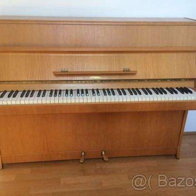 Klavír PETROF  - darček na vianoce